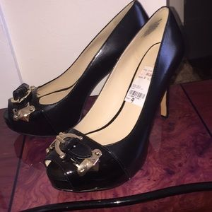 "Nine West Patent Leather Peeptoe 4"" Heels Size 9M"